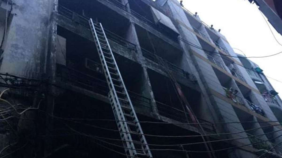 Delhi: 6 dead, 11 injures as building catches fire in Zakir Nagar