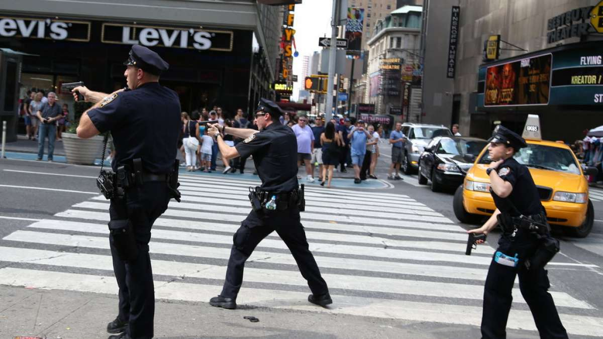 Shooting scare creates panic situation at Times Square in New York