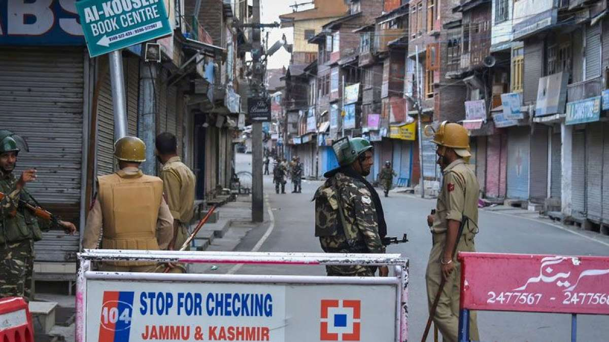 Schools, government offices to reopen in Kashmir from Monday: Sources