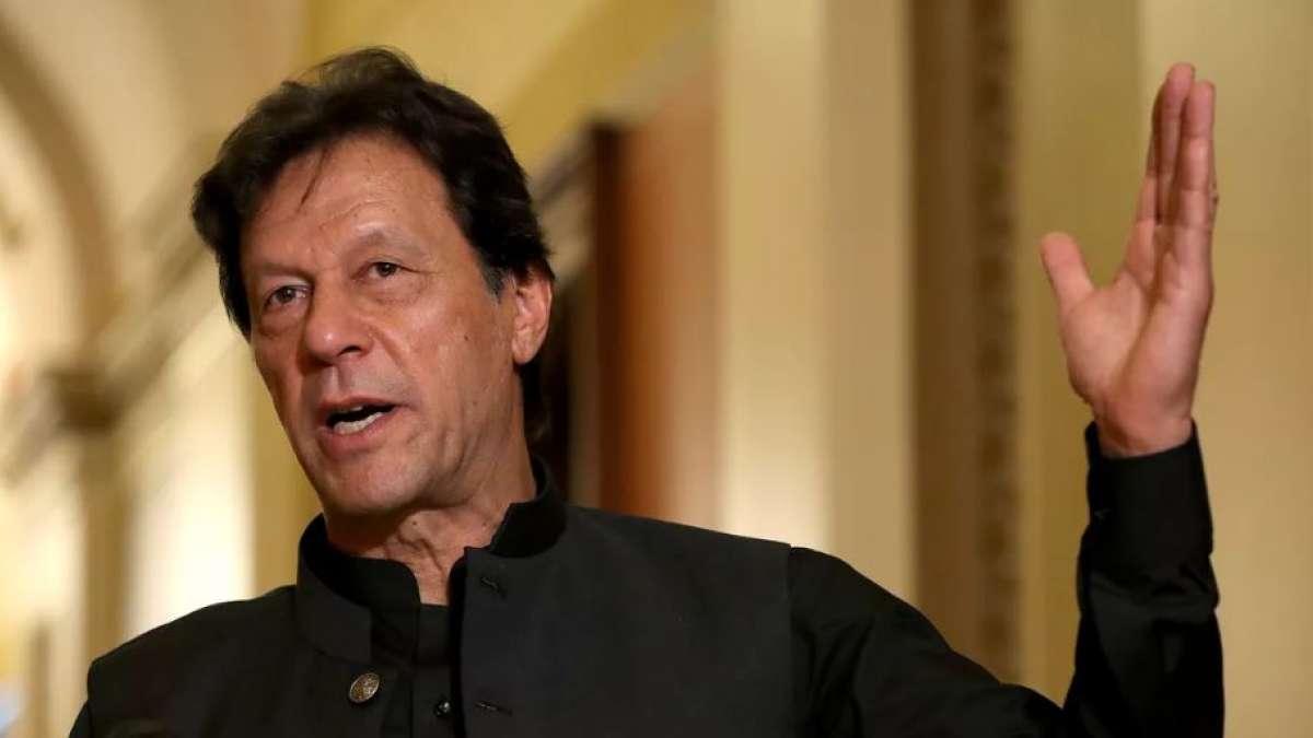 Imran Khan threatens India off nuclear war