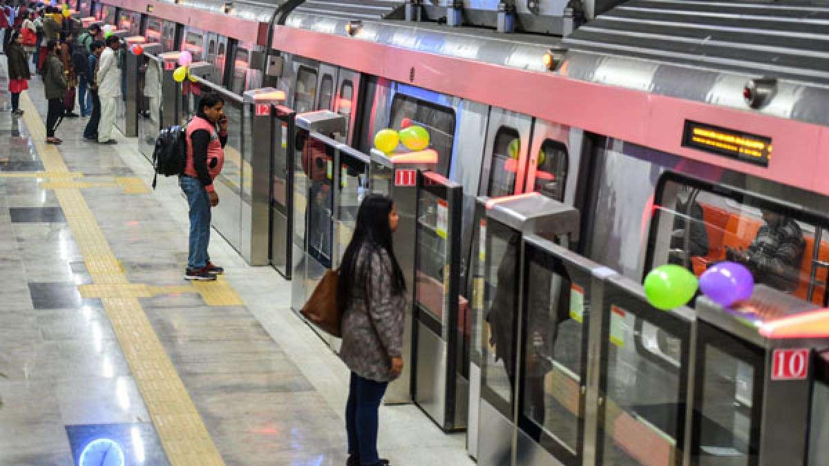 Centre vs Delhi: Supreme Courts pulls up Kejriwal on free metro rides offer