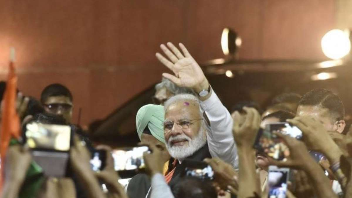 PM Modi returns from US, pays tribute to soldiers of surgical strike