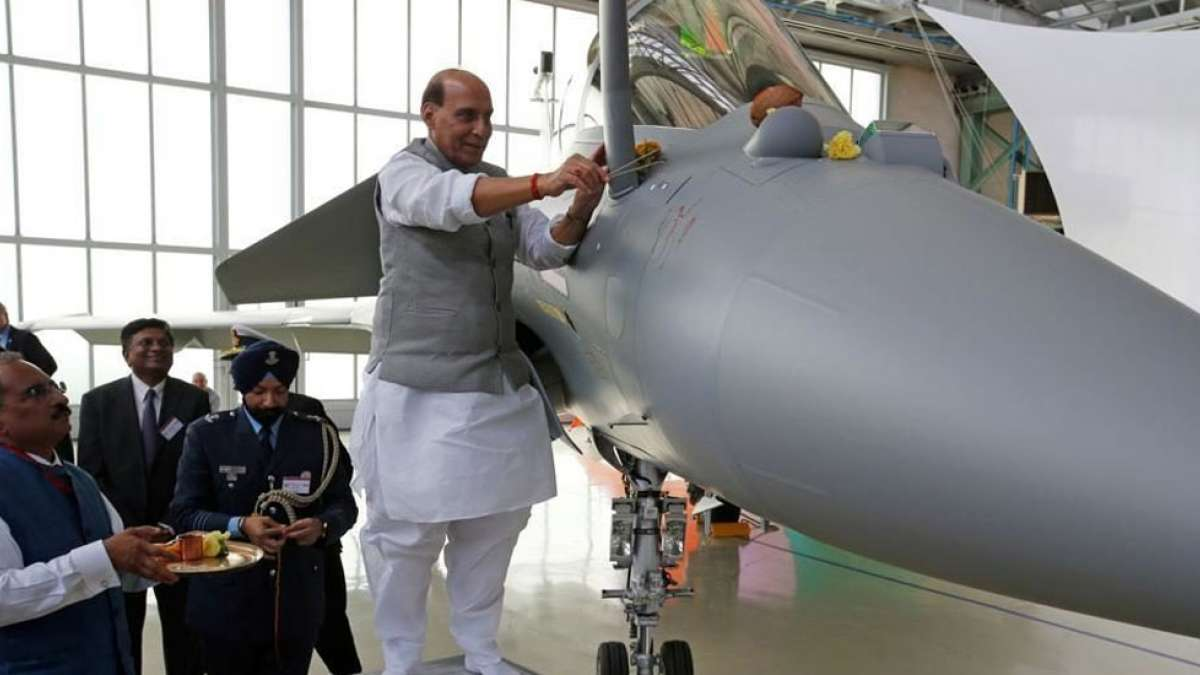 India gets 1st out of 36 Rafale jets from France