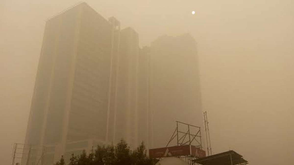 Post-Diwali Delhi Air Quality decreases to 'very poor'; Mumbai breathes cleanest in 5 years