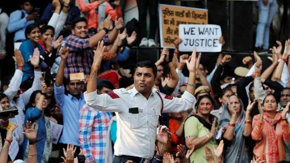 Delhi Police vs Lawyers: 11-hour-long protest ends on assurance from senior cop